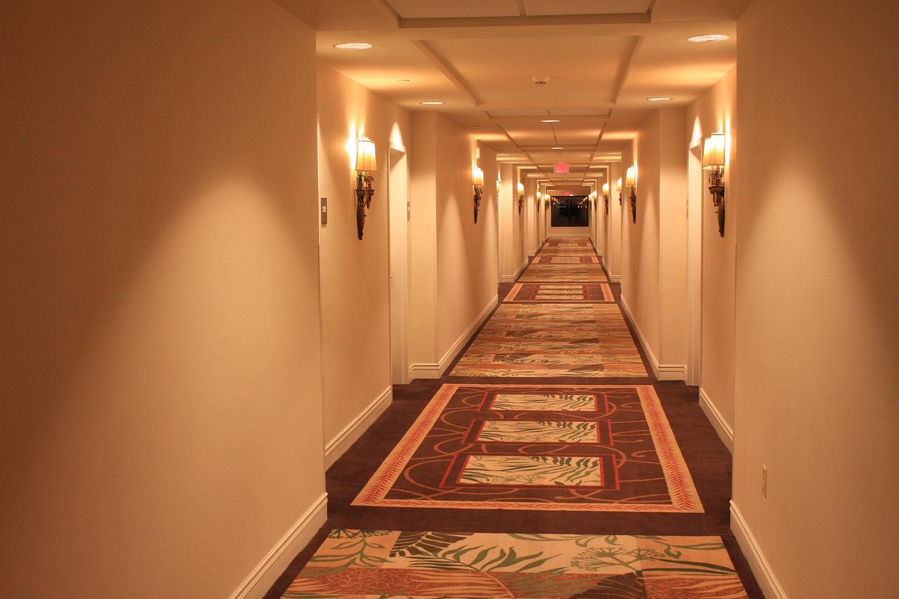hotelová chodba